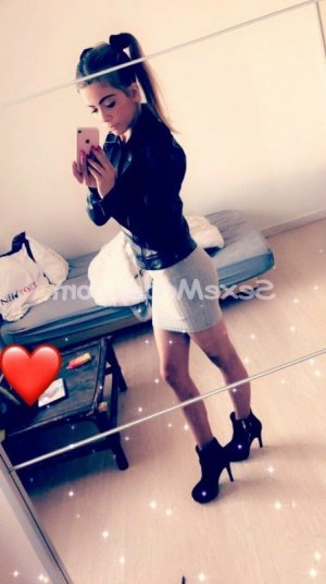 Ozanne lovesita escorte trans massage tantrique à Metz